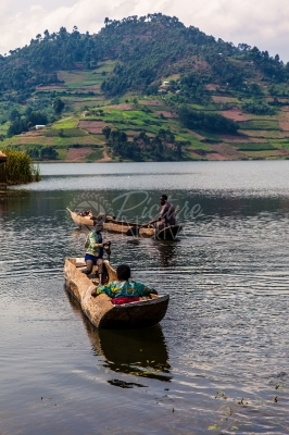 Canoe transport on Lake Bunyonyi